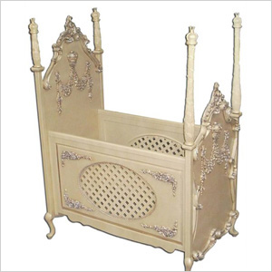 Beloved 4-poster crib - Kate Middleton Royal Baby Gear