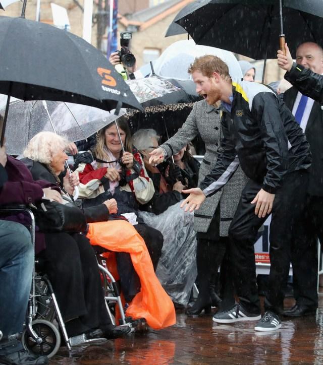Prince Harry Kisses Daphne 1