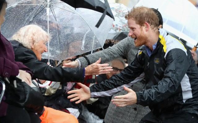 Prince Harry Kisses Daphne 2