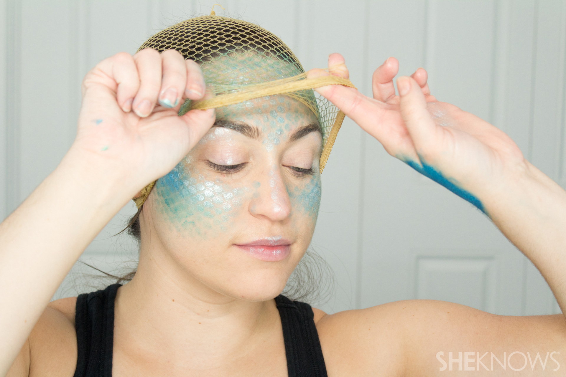 DIY Mermaid Halloween Makeup: Step 5