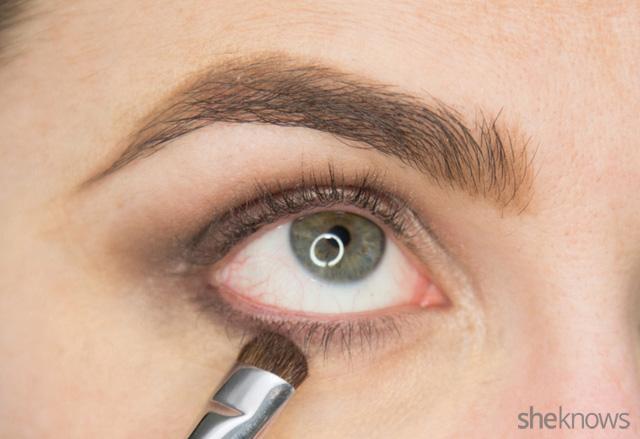 A glitter eye makeup tutorial: Step 5
