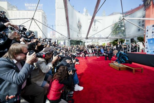 Kim-Novak's-imprint-ceremony-at-Grauman's-Chinese-Theatre