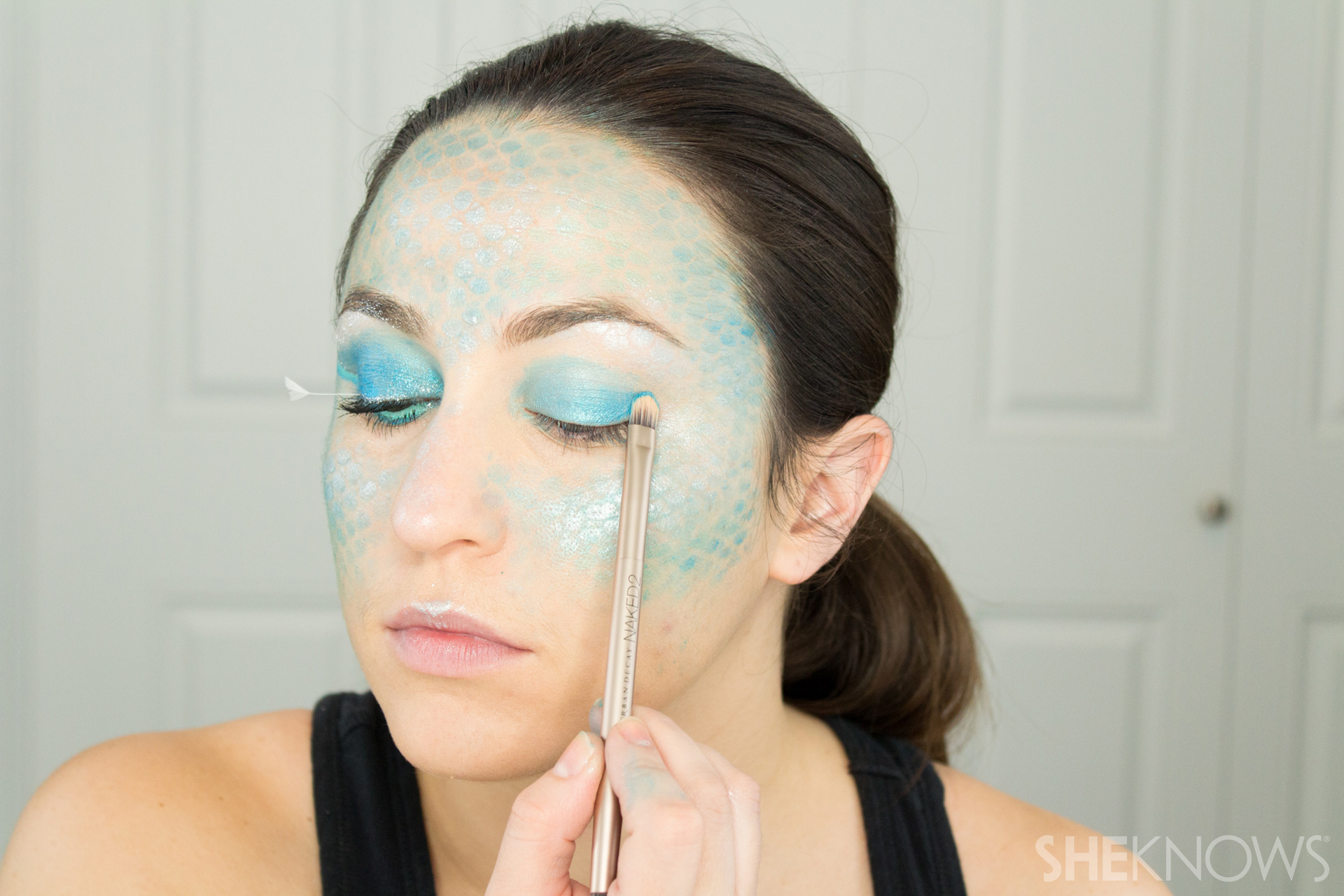 DIY Mermaid Halloween Makeup: Step 6