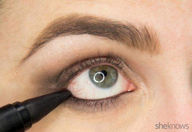 A glitter eye makeup tutorial: Step 7