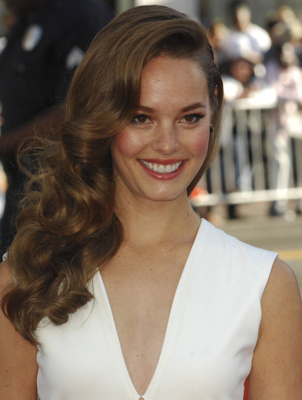Best sideswept curls: Bailey Noble