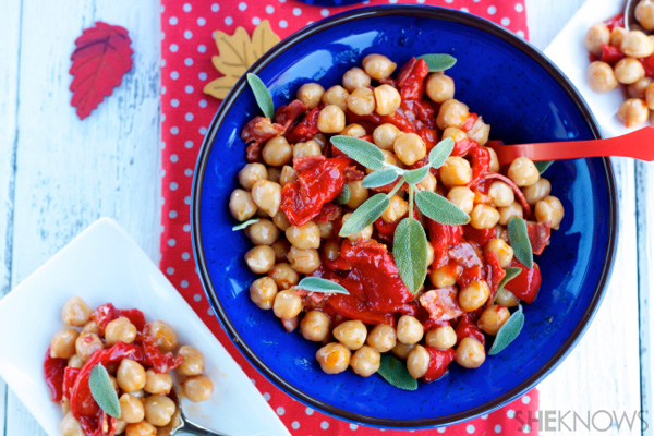 Chickpeas, pepper and chorizo side dish