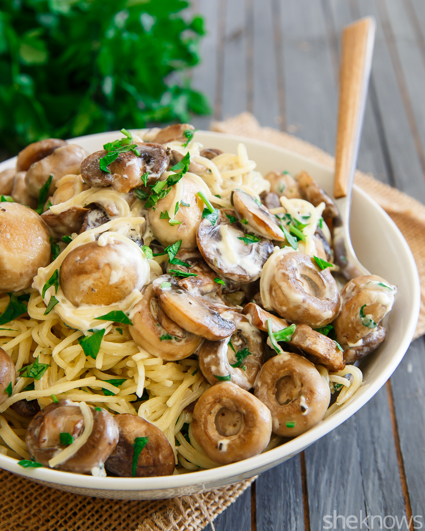 Meatless Monday Garlicky Cashew Cream Makes Mushroom Pasta Special