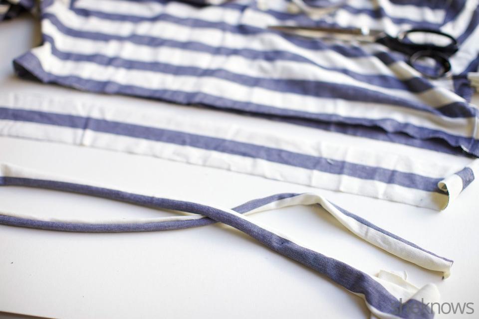 Sailor's knot T-shirt headband: Step 2