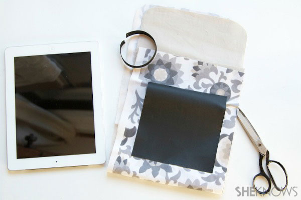 lined tablet cover with chalkboard pocket Step 1