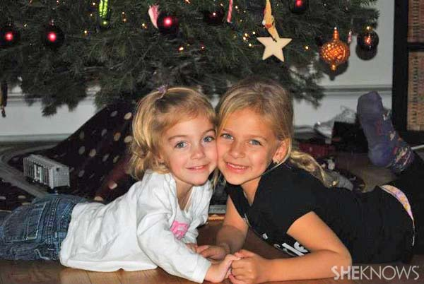 Emma Lavelle and her sister