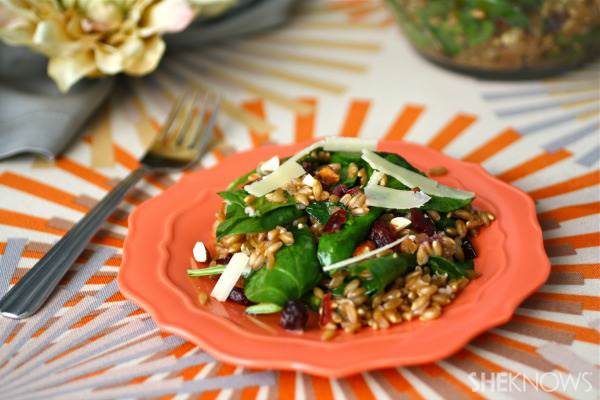Farro, spinach and cranberry salad