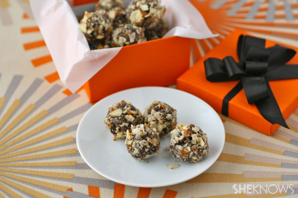 Gluten-free Goodie of the Week: Chocolate-date truffles with coconut & almonds
