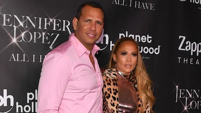 Alex Rodriguez (L) and Jennifer Lopez