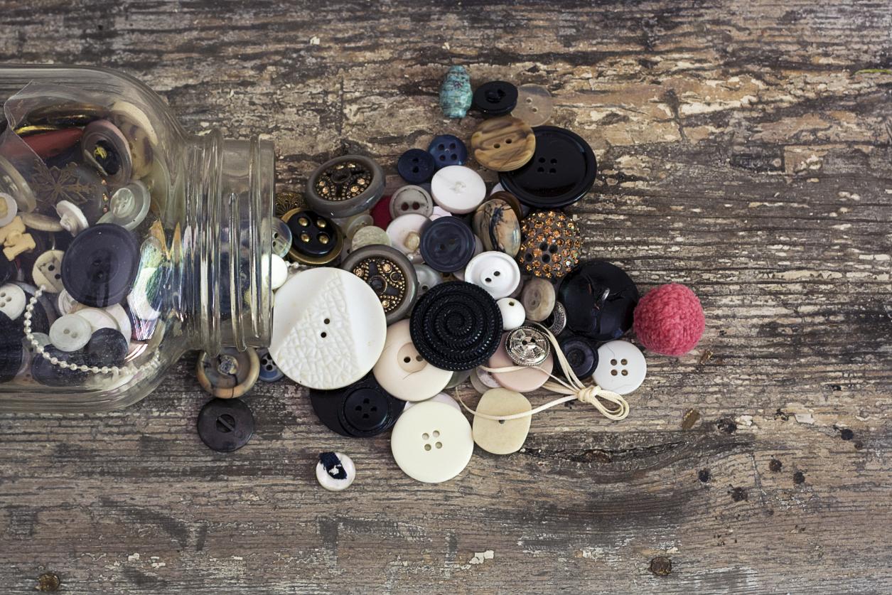 mason jar vintage buttons