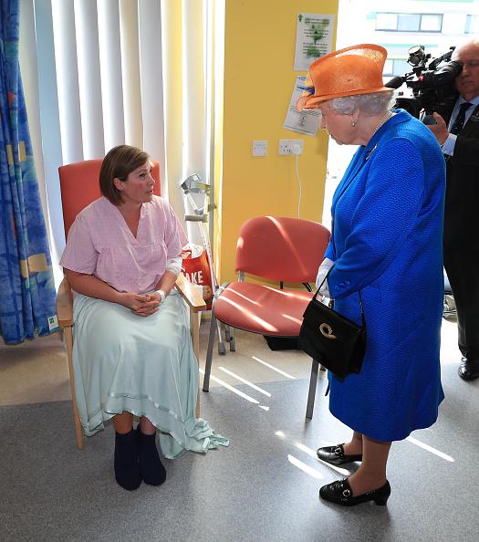 Queen Elizabeth visits Royal Manchester Children's Hospital