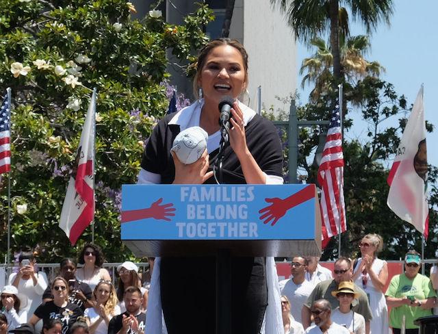 Moments That Defined Parenthood in 2018: Chrissy Teigen's Baby-Wearing Rally Speech