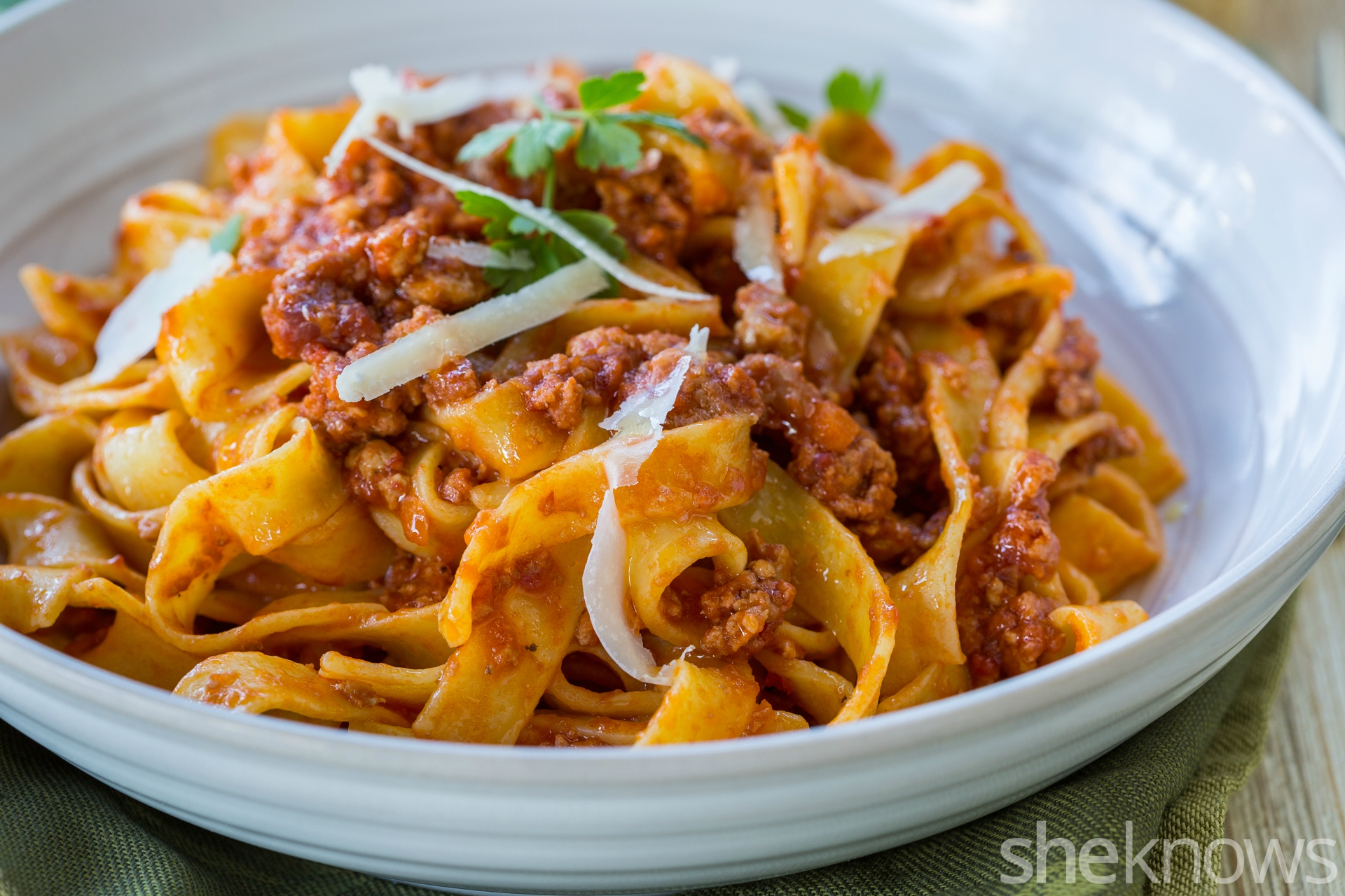 How-to-make-tagliatelle-with-ragù