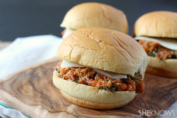 Italian pulled chicken sliders with kale
