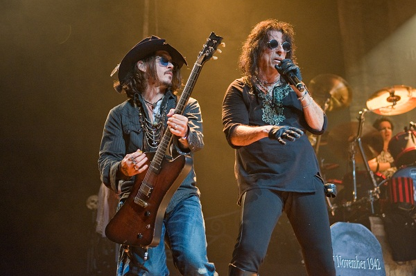Johnny Depp on stage with Alice Cooper