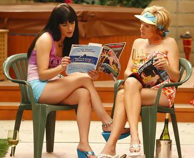 Selma and Molly share Kath and Kim set secrets