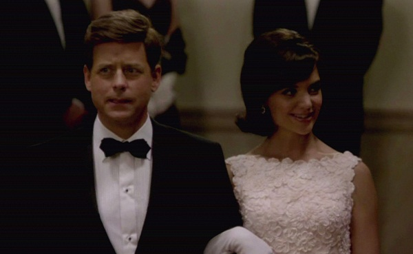 The Kennedys Jackie (Katie Holmes) and John (Greg Kinnear)