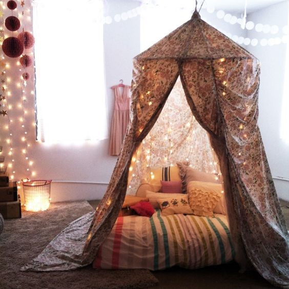 Incredible Forts to Build: Hula Hoop fort