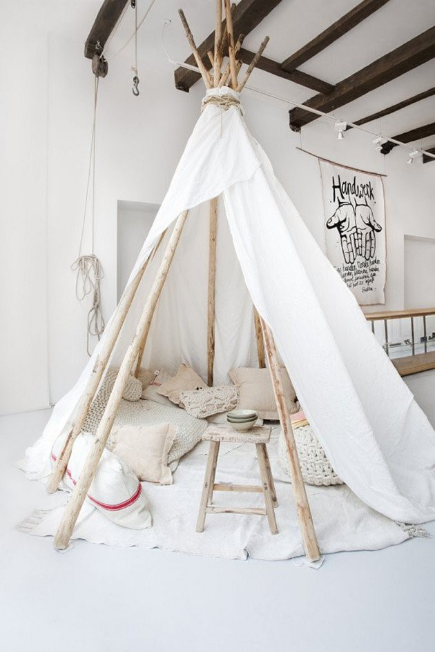 Incredible Forts to Build: Room sized teepee