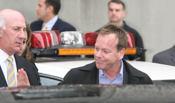 Kiefer Sutherland in custody of the NYPD