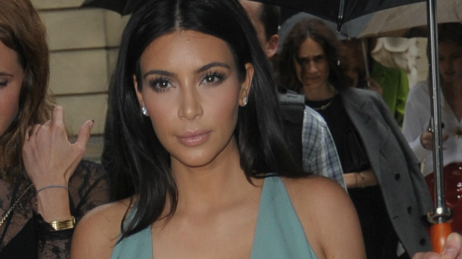 Kim Kardashian defends Rob Kardashian
