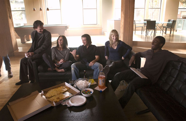 The cast of Leverage has pizza with SheKnows