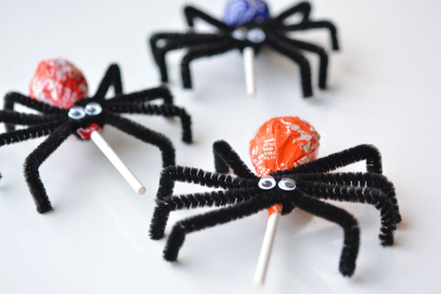 Best Fall Crafts for Kids: Sweet Spiders