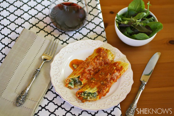 Spinach and mushroom manicotti