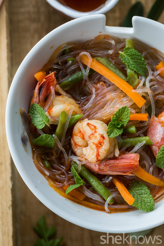 One-pot-Thai-shrimp-spicy-noodles-vertical