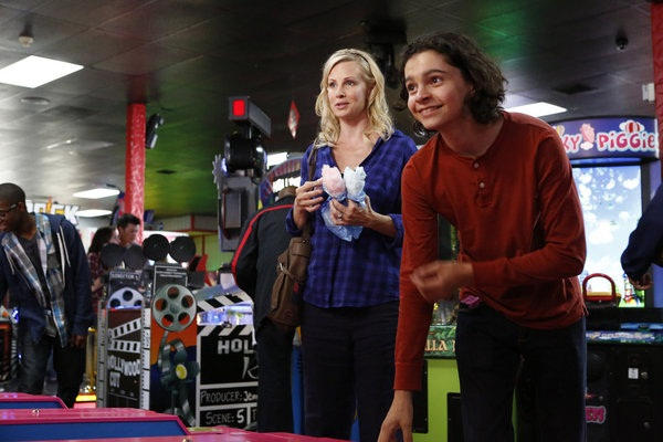 Parenthood Christina and Max at the arcade