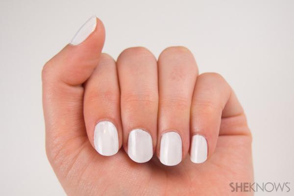 Pastel striped nails