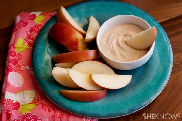 Peanut butter yogurt fluff dip