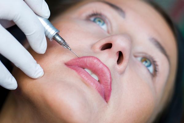 Semi-permanent makeup keeps your lips luscious
