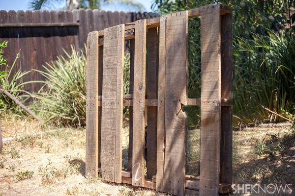 Recycled pallet garden pallet