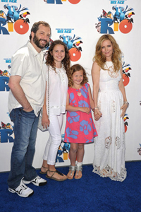 Leslie Mann, Judd Apatow and family