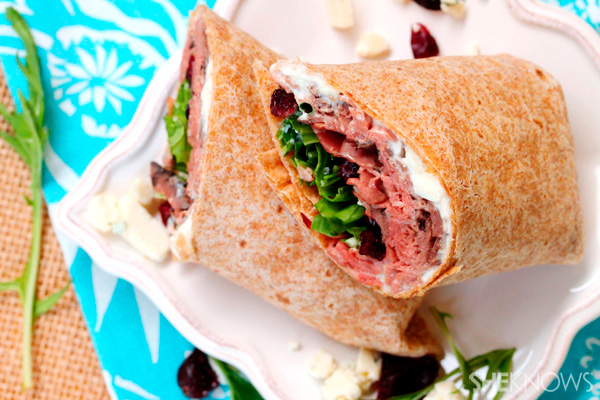 Roast beef, blue cheese, and cranberry wrap recipe