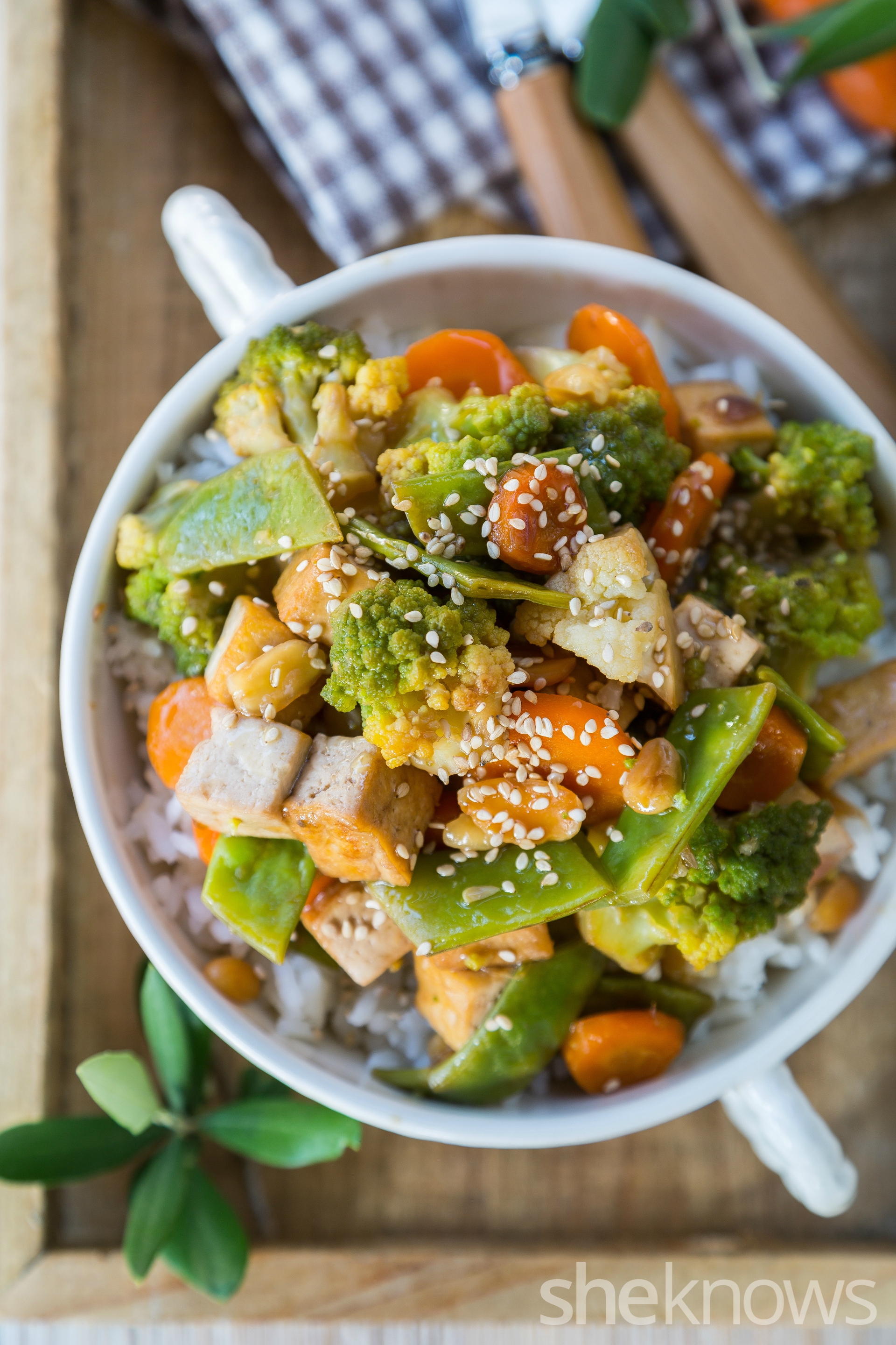 Sauteed-tofu-and-vegetables-in-oyster-sauce-vertical