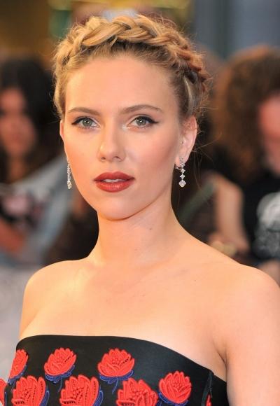 Scarlett Johansson's halo braid