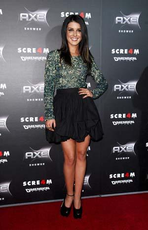 Shenae Grimes at the Scream 4 premiere