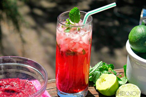 Sparkling berry mojito recipe