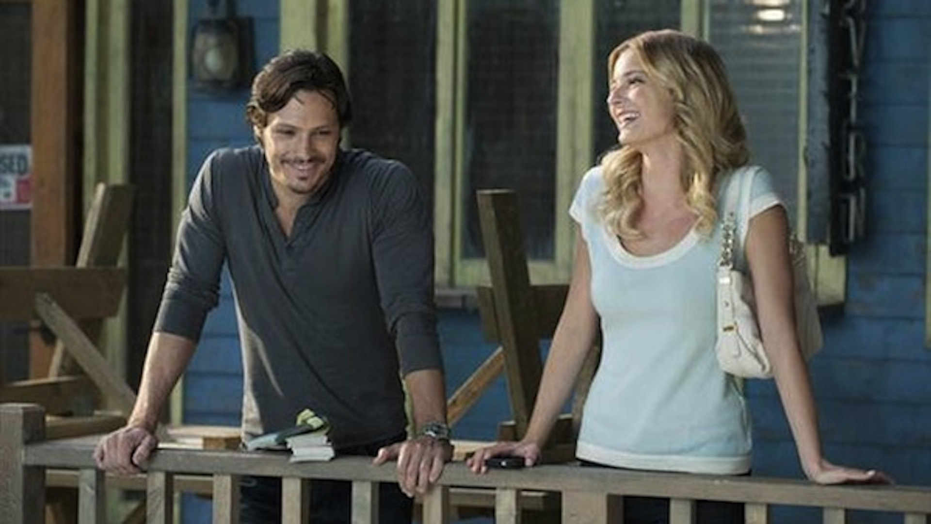 Jack and Emily share a moment on Revenge