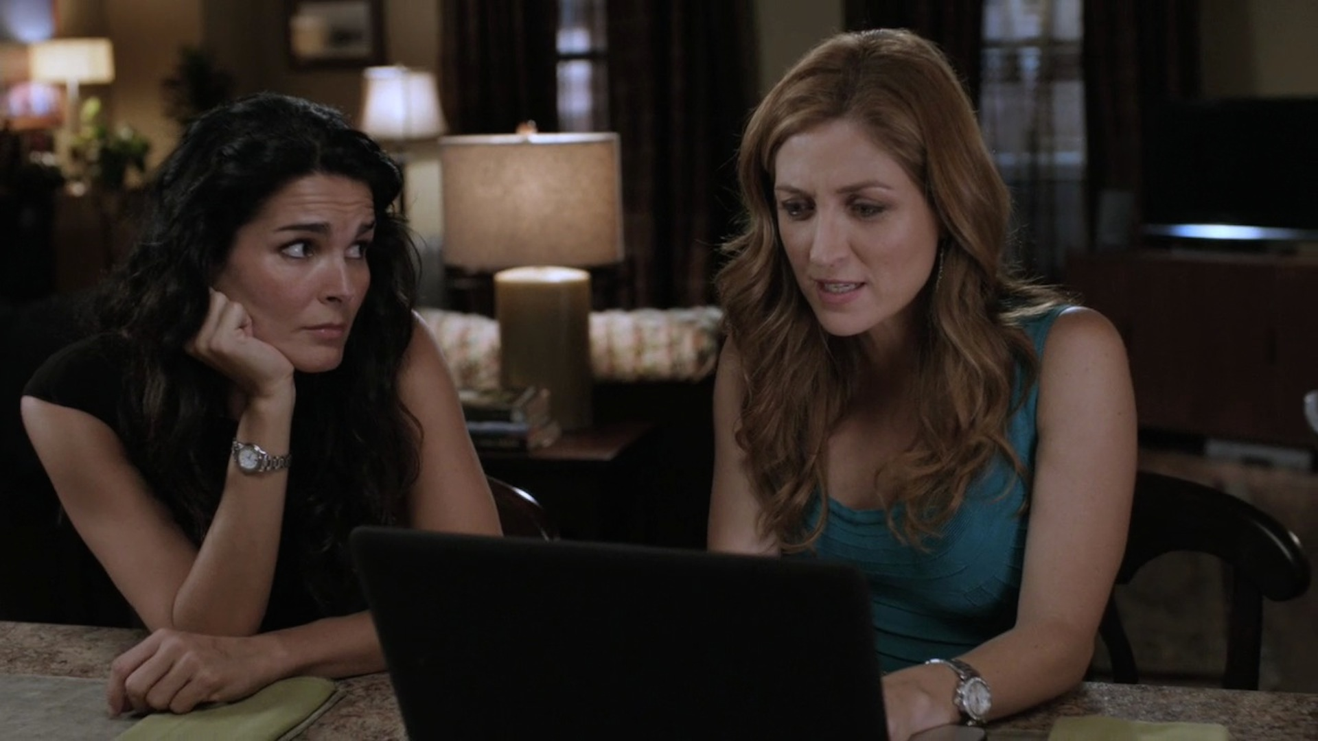Rizzoli and Isles' Jane and Maura hang out