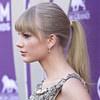 Taylor Swift ponytail