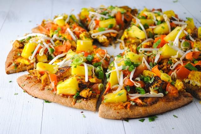thai tofu pizza with peanut sauce