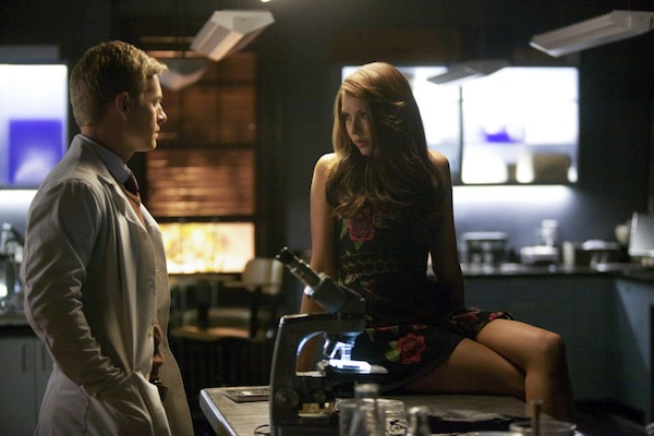 Katherine talks with Dr. Maxfield in The Vampire Diaries