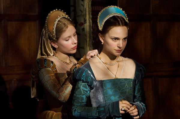 Scarlett Johansson and Natalie Portman are classic sisters